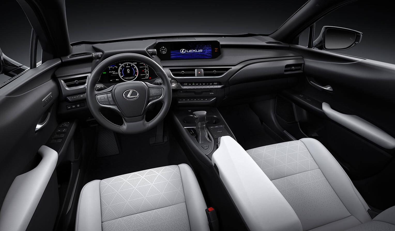 Lexus UX 2018 interior