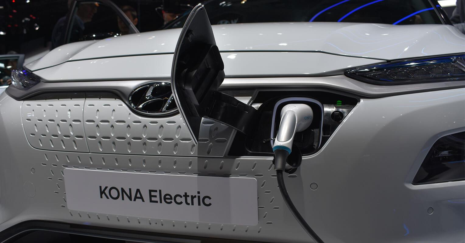 Hyundai Kona eléctrico enchufe