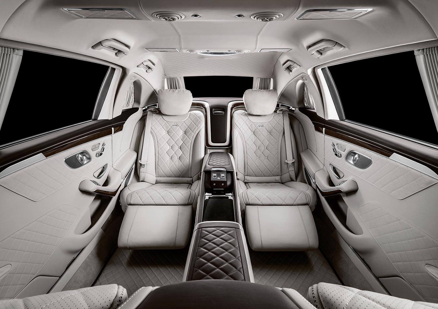 Mercedes-Maybach conductor