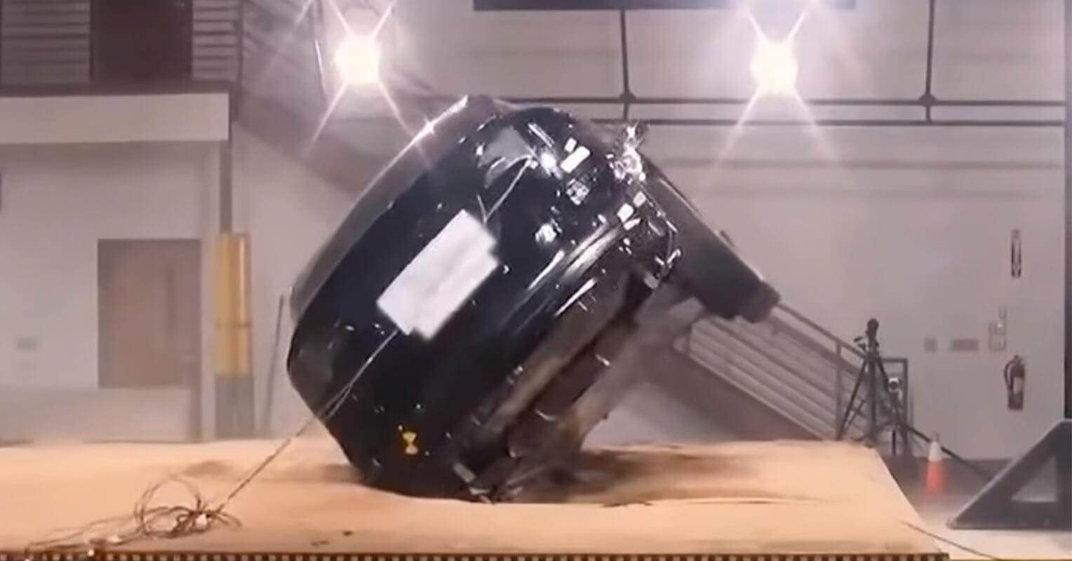 El Tesla Model X no vuelca