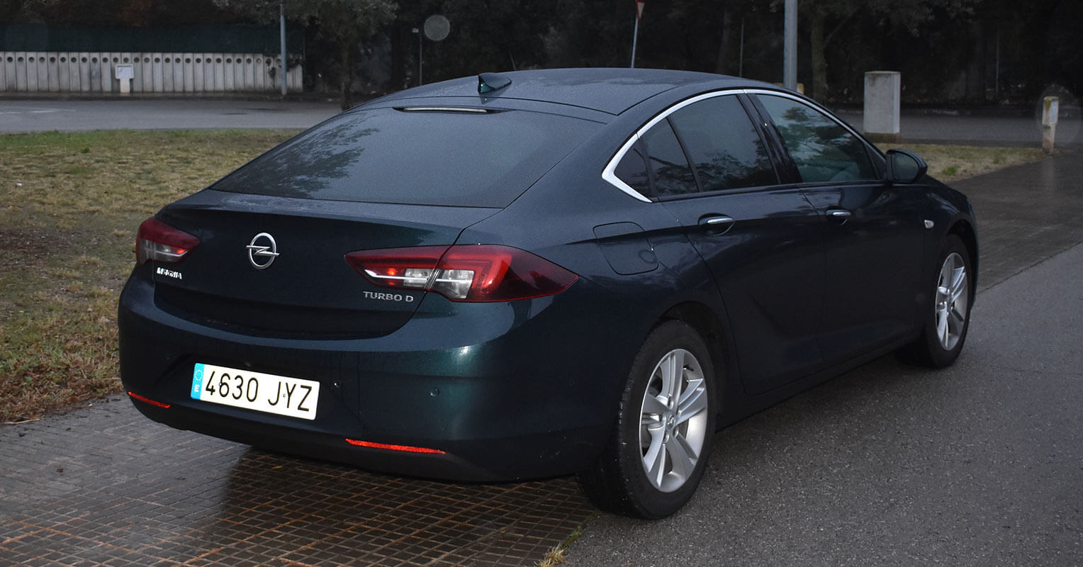 Trasera del Opel Insignia Grand Sport 2018