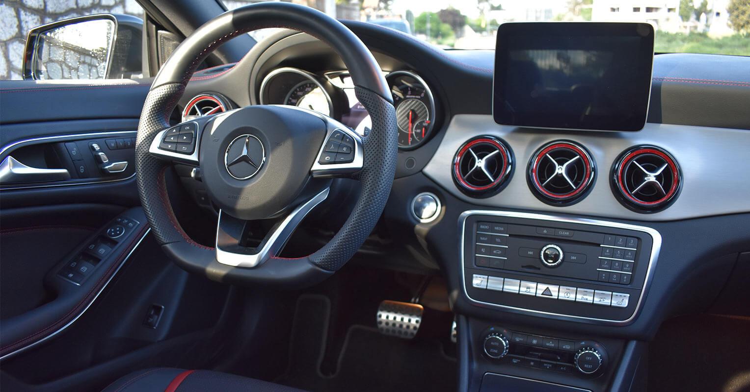 Interior del Mercedes-AMG CLA 45