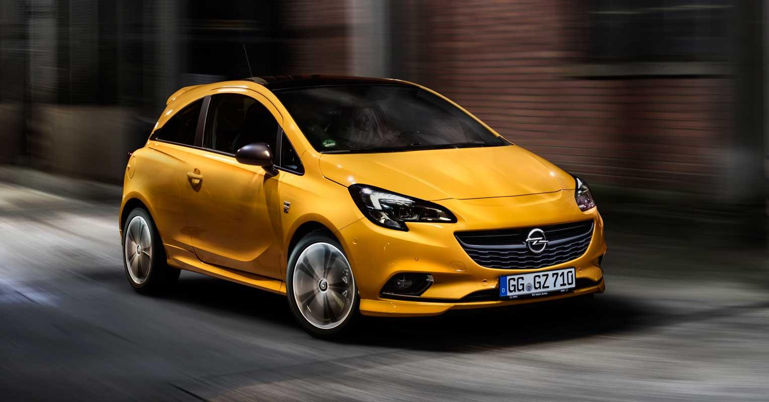 Opel Corsa amarillo